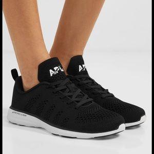 APL techloom pro sneakers